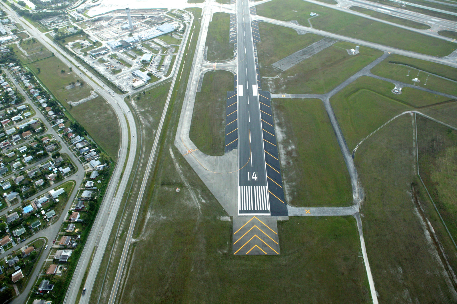 West Palm Beach Airport Carriers