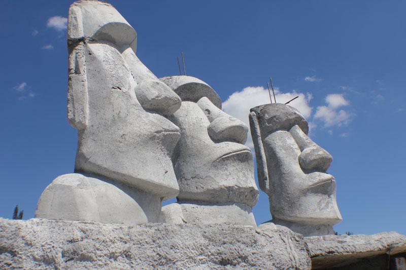Moai at Mounts