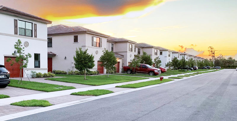 Townhomes for Sale in Silverwood Estates