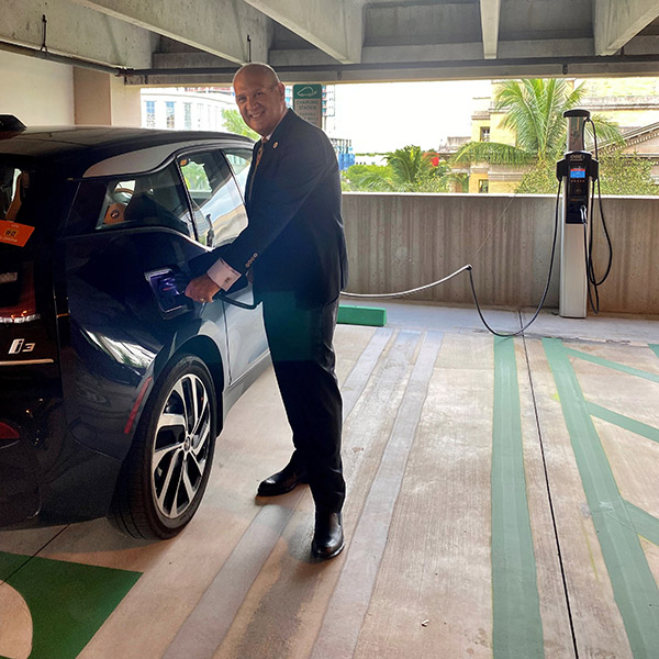 New Electric Vehicle Charging Stations at Governmental Center