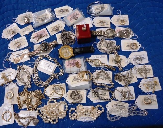 http://pbcspauthor/ofmb/thriftstore/SiteImages/AuctionResults/2017/Jun17/Lot 9439.jpg
