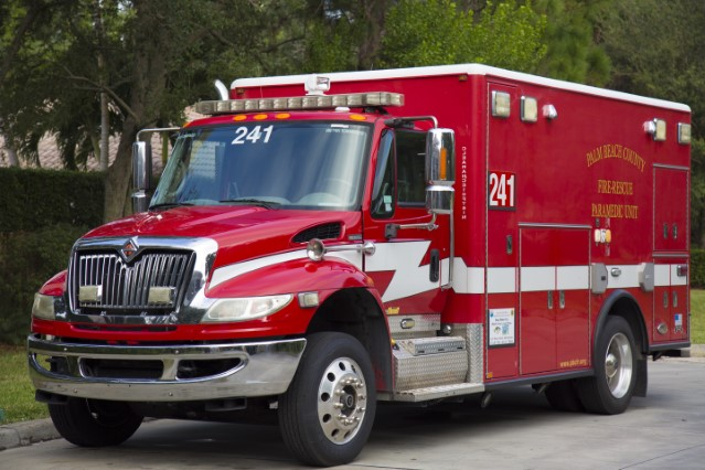 Type of Unit:  Rescue Station:  41 Year Built:  2010 Manufacturer:  Horton Chassis:  Freightliner FL-60