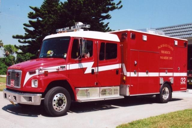 Type of Unit:  Rescue Station:  32 Year Built:  2009 Manufacturer:  Horton Chassis:  Freightliner FL-60